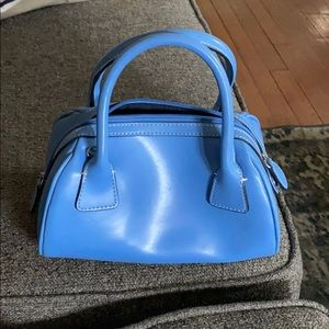 Tommy Hilfiger leather bag with crossbody option